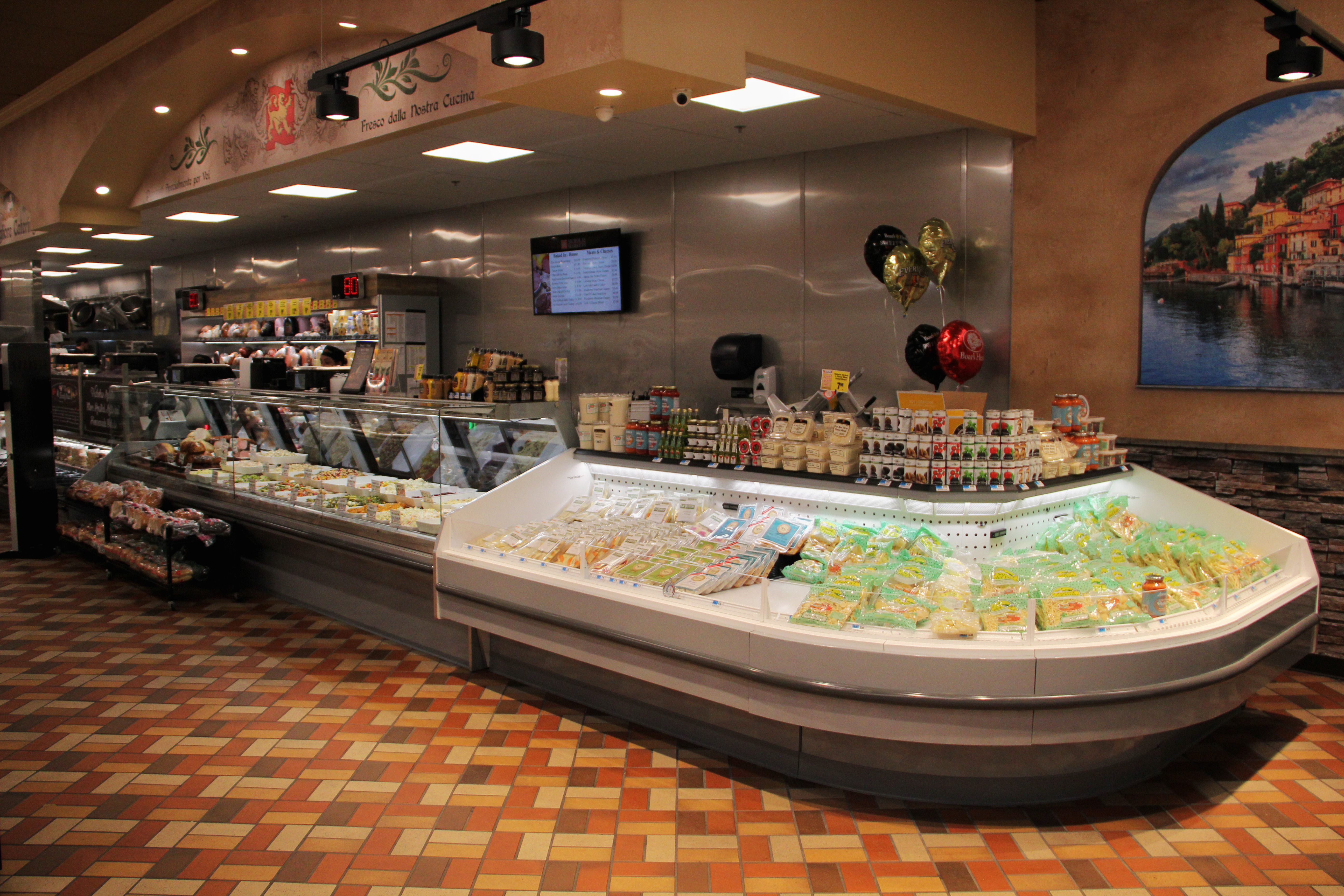 Refrigerated Displays for Service & Self-Service